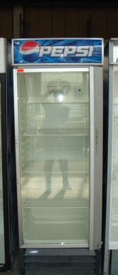 Вертикална витрина 70х57х200 см