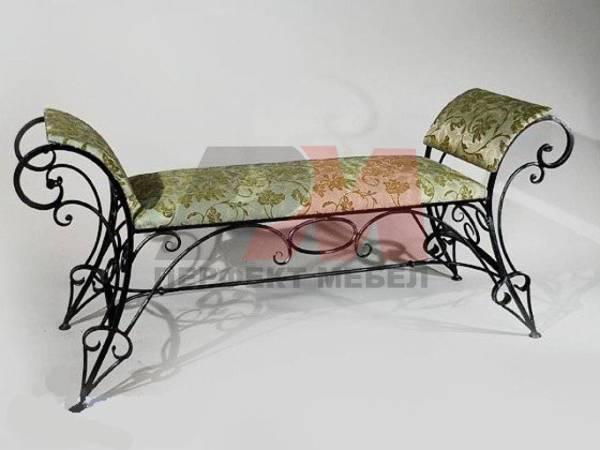 Кован диван за външно и вътрешно ползване
