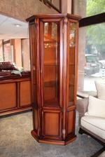 изработка на стъклени дървени витрини